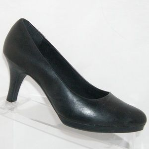 Clarks Artisan Tempt Appeal black pump heels 7.5W